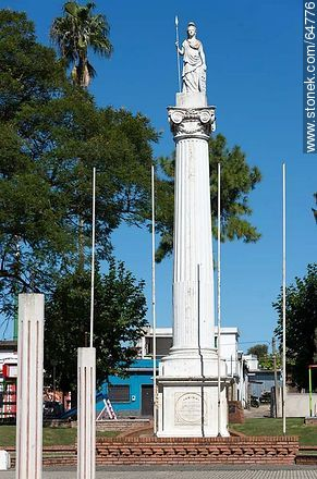 Statue of Liberty. Monument to the Republic in Plaza Rivera. - Photos of the City of Mercedes, URUGUAY. Image #64776