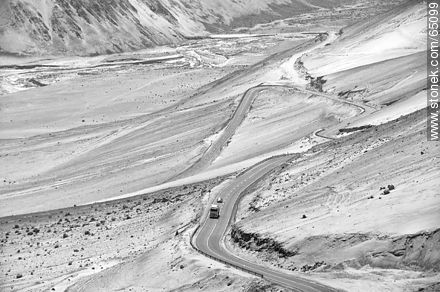 Route 11 in the middle of the desert - Photos in Black and White. - MORE IMAGES. Image #65099