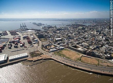 Aerial photo of a section of the Ciudad Vieja. Guruyu - Aerial photos of Montevideo, URUGUAY. Image #65040