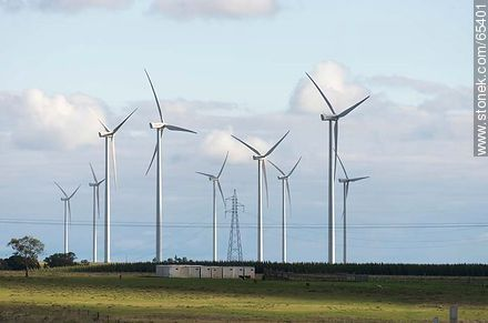 Wind farm and power transmission networks - Photos of the Uruguayan Countryside - URUGUAY. Image #65401