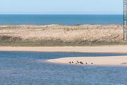 Small cove on the Garzón lagoon. Atlantic Ocean - Photos of Garzon lagoon - Department of Rocha - URUGUAY. Image #65412