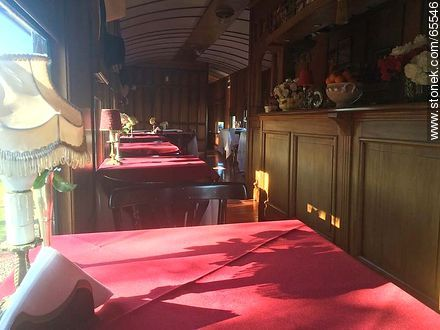 Interior of an old wagon turned-restaurant. Living room - Photos of Colonia del Sacramento - Department of Colonia - URUGUAY. Image #65546