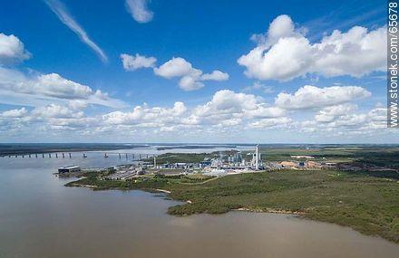 Aerial view of the UPM cellulose pulp processing plant. San Martín Bridge - Photos of Fray Bentos - Rio Negro - URUGUAY. Image #65678