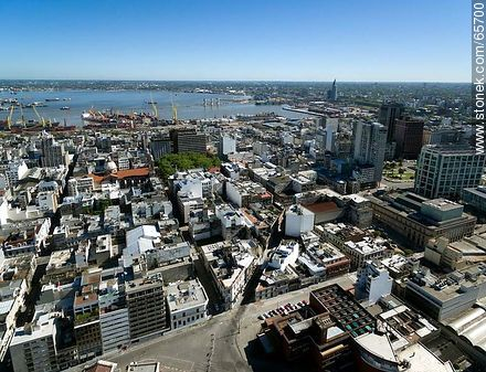 Aerial view of  the quarter Ciudad Vieja - Photos of the Old City - Department and city of Montevideo - URUGUAY. Image #65700