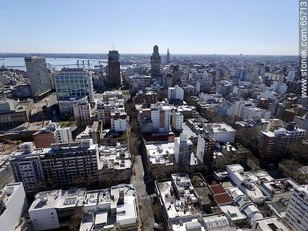 Aerial view of Downtown from Florida Street - Photos of downtown - Department and city of Montevideo - URUGUAY. Image #65713