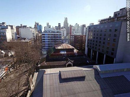 Roof of Mercado de la abundancia - Photos of downtown - Department and city of Montevideo - URUGUAY. Image #65690