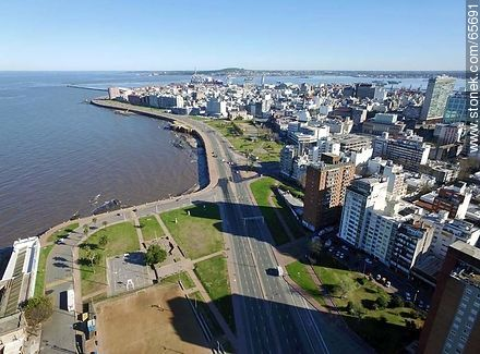 Aerial view of  the quarters Centro and Ciudad Vieja - Photos of the Old City - Department and city of Montevideo - URUGUAY. Image #65691
