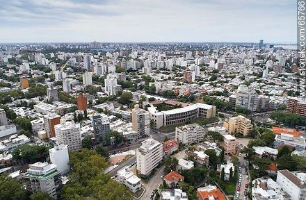 Aerial view of Bulevar España and Bulevar Artigas. Faculty of Architecture  - Photos of Parque Rodo and Playa Ramirez - Department and city of Montevideo - URUGUAY. Image #65766