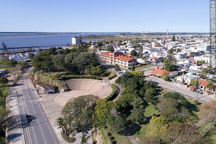 Aerial view of the rambla of Fray Bentos and Roosevelt Park - Photos of Fray Bentos - Rio Negro - URUGUAY. Image #65849