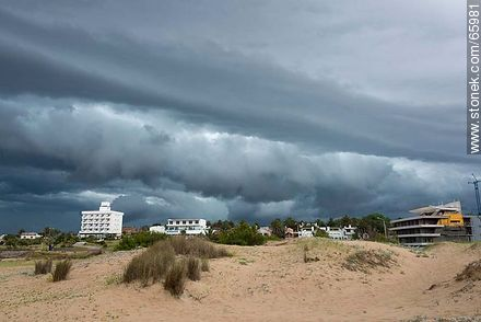 Summer Storm at San Francisco Beach - Photos of Piriapolis - Department of Maldonado - URUGUAY. Image #65981