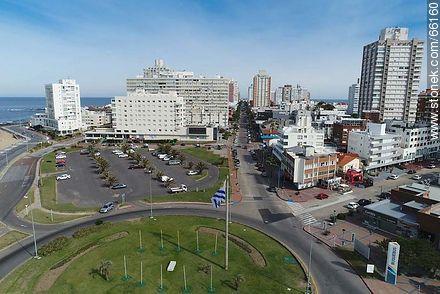 Aerial view of Av. Gorlero and its surroundings - Photos of Peninsula de Punta del Este - Punta del Este and its near resorts - URUGUAY. Image #66160