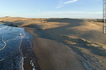 Aerial photo of the dunes west of the Valizas stream - Photos of Valizas. - Department of Rocha - URUGUAY. Image #66278