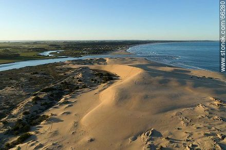 Aerial photo of the mouth of the Valizas stream in the Atlantic Ocean - Photos of Valizas. - Department of Rocha - URUGUAY. Image #66280