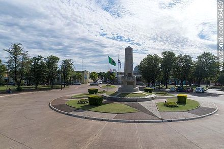 Aerial view of the obelisk of the city of Artigas in the plaza Batlle Ordóñez - Photos of the City of Artigas - Artigas - URUGUAY. Image #66429