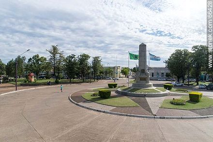 Aerial view of the obelisk of the city of Artigas in the plaza Batlle Ordóñez - Photos of the City of Artigas - Artigas - URUGUAY. Image #66428