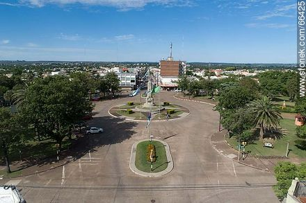 Aerial view of the obelisk of the city of Artigas and Lecueder Av. - Photos of the City of Artigas - Artigas - URUGUAY. Image #66425