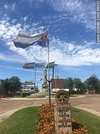 Plaza Batlle y Ordóñez - Photos of the City of Artigas - Artigas - URUGUAY. Image #66452