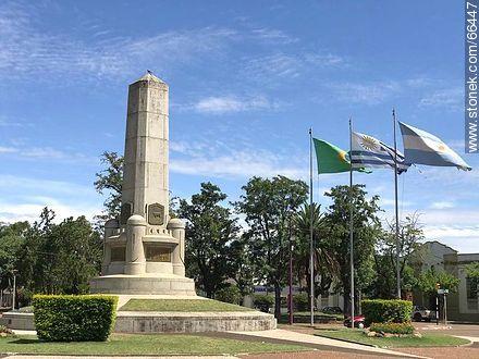 Plaza Batlle y Ordóñez - Photos of the City of Artigas - Artigas - URUGUAY. Image #66447