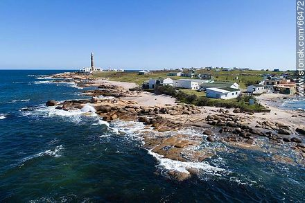 One of the rocky ends of the Cape - Photos of Cabo Polonio. - Department of Rocha - URUGUAY. Image #66472