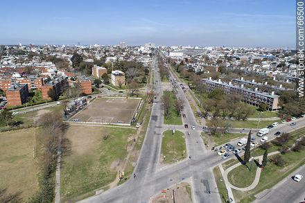 Aerial view of Dámaso Larrañaga Avenue to the south - Photos at quarter of Ituzaingo - Department and city of Montevideo - URUGUAY. Image #66500