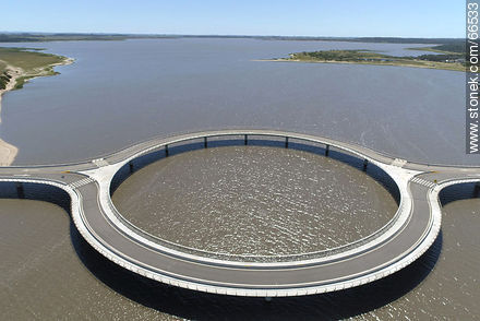 Aerial view of the circular bridge over Laguna Garzón - Photos of Garzon lagoon - Department of Rocha - URUGUAY. Image #66533