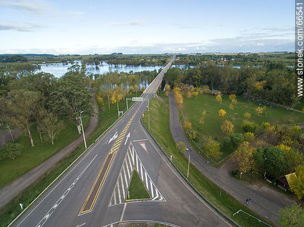 Aerial view of Route 5 leaving the city - Photos of the city of Paso de los Toros - Tacuarembo - URUGUAY. Image #66541