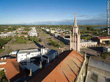 Aerial view of the city.  Santa Isabel Parish - Photos of the city of Paso de los Toros - Tacuarembo - URUGUAY. Image #66543