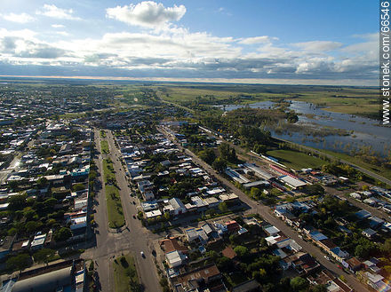 Aerial view of the city.  Artigas Boulevard. The Río Negro - Photos of the city of Paso de los Toros - Tacuarembo - URUGUAY. Image #66546