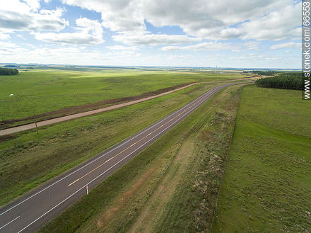 Aerial view of Route 5 through Tacuarembo fields - Photos of the rural area of Tacuarembó - Tacuarembo - URUGUAY. Image #66553