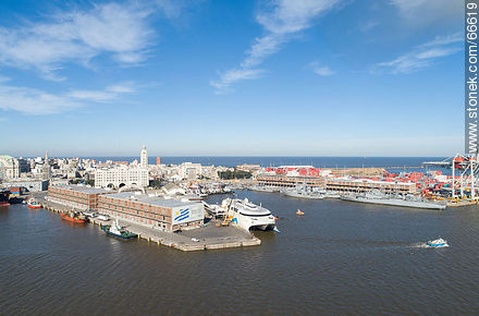 Buquebus dock. Francisco Ship. Navy Vessels - Photos of the Port area - Port of Montevideo, URUGUAY. Image #66619