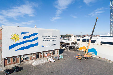 Berth of the ship Francisco of the company Buquebus - Photos of the Port area - Port of Montevideo, URUGUAY. Image #66620