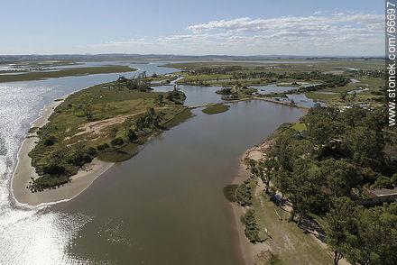 Aerial view of wetlands of Arroyo Maldonado - Photos of La Barra and Manantiales - Punta del Este and its near resorts - URUGUAY. Image #66697