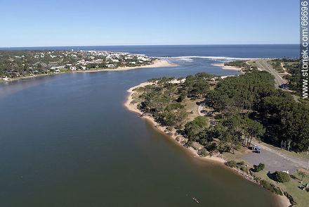 Aerial photo of the Maldonado stream towards the mouth of the Atlantic Ocean - Photos of La Barra and Manantiales - Punta del Este and its near resorts - URUGUAY. Image #66696