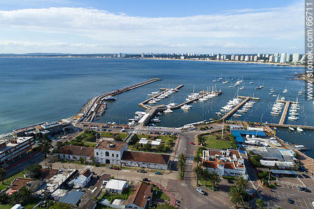 Aerial view of the Yatch Club and the headquarters of the Naval Prefecture - Photographs of the port of Punta del Este - Punta del Este and its near resorts - URUGUAY. Image #66711