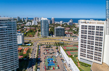 Aerial view of the Casino Tower to the east - More photos of Punta del Este - Punta del Este and its near resorts - URUGUAY. Image #66888