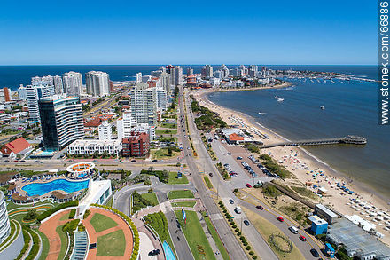 Aerial view of the Rambla Williman towards the Peninsula - Photos of promenades - Punta del Este and its near resorts - URUGUAY. Image #66886