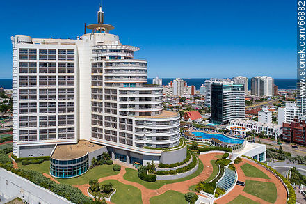 Aerial side view of Enjoy Hotel (ex Conrad). Williman Wadi. Mansa Beach - Photos of promenades - Punta del Este and its near resorts - URUGUAY. Image #66882