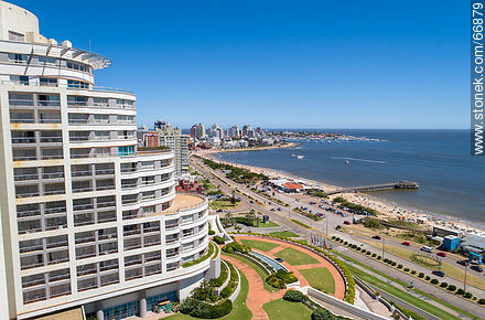 Aerial side view of Enjoy Hotel (ex Conrad). Williman Wadi. Mansa Beach - Photos of promenades - Punta del Este and its near resorts - URUGUAY. Image #66879