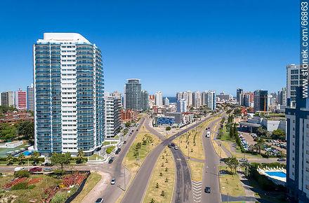 Casino Tower on Artigas Avenue - More photos of Punta del Este - Punta del Este and its near resorts - URUGUAY. Image #66863