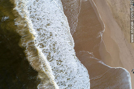 Aerial zenithal view of the sea shore - Photos of the open sea - Punta del Este and its near resorts - URUGUAY. Image #67077