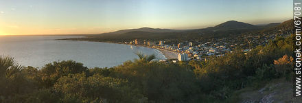 Sunset in Piriápolis and Cerro Pan de Azúcar - Photos of Piriapolis - Department of Maldonado - URUGUAY. Image #67081