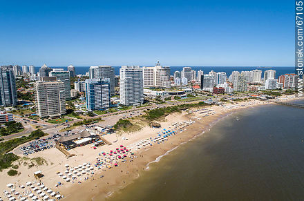 Aerial photo of the Rambla Williman on Playa Mansa - Photographs of beaches of Punta del Este - Punta del Este and its near resorts - URUGUAY. Image #67105