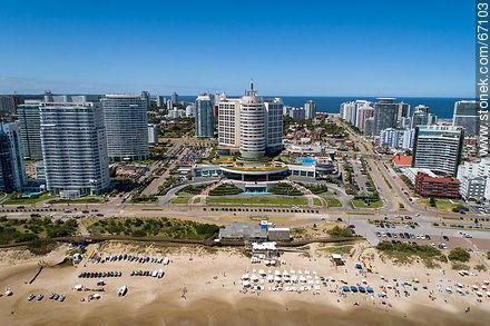 Aerial photo of Mansa Beach and Enjoy Hotel (former Conrad) - Photographs of beaches of Punta del Este - Punta del Este and its near resorts - URUGUAY. Image #67103