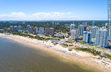 Aerial photo of the Rambla Williman on Playa Mansa - Photographs of beaches of Punta del Este - Punta del Este and its near resorts - URUGUAY. Image #67102