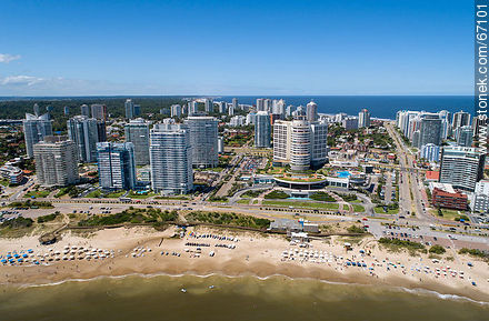 Aerial photo of Mansa Beach and Enjoy Hotel (former Conrad) - Photographs of beaches of Punta del Este - Punta del Este and its near resorts - URUGUAY. Image #67101