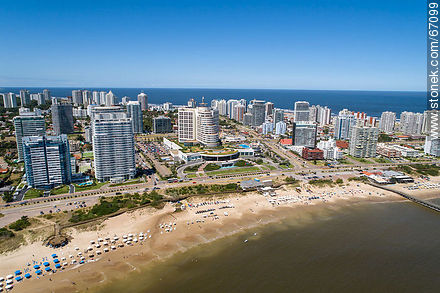 Aerial photo of Mansa Beach and Enjoy Hotel (former Conrad) - Photographs of beaches of Punta del Este - Punta del Este and its near resorts - URUGUAY. Image #67099
