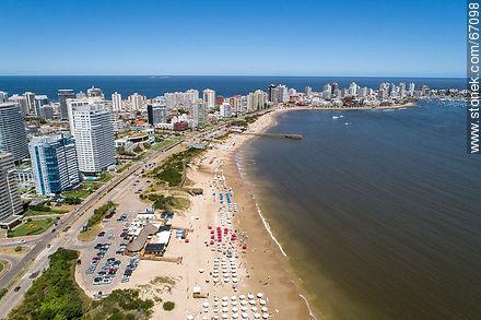 Aerial photo of the Rambla Williman on Playa Mansa - Photographs of beaches of Punta del Este - Punta del Este and its near resorts - URUGUAY. Image #67098