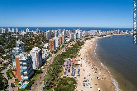 Aerial photo of the Rambla Williman on Playa Mansa - Photographs of beaches of Punta del Este - Punta del Este and its near resorts - URUGUAY. Image #67095