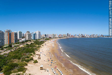 Aerial photo of the Rambla Williman on Playa Mansa - Photographs of beaches of Punta del Este - Punta del Este and its near resorts - URUGUAY. Image #67088