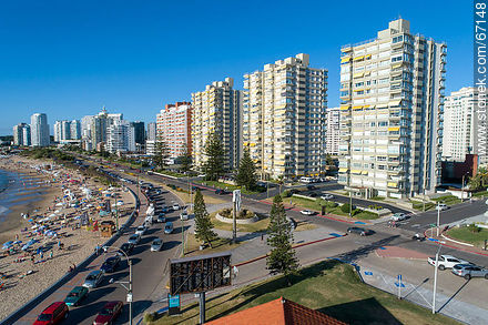 Aerial view of Parada 1 of Playa Mansa - Photos of promenades - Punta del Este and its near resorts - URUGUAY. Image #67148